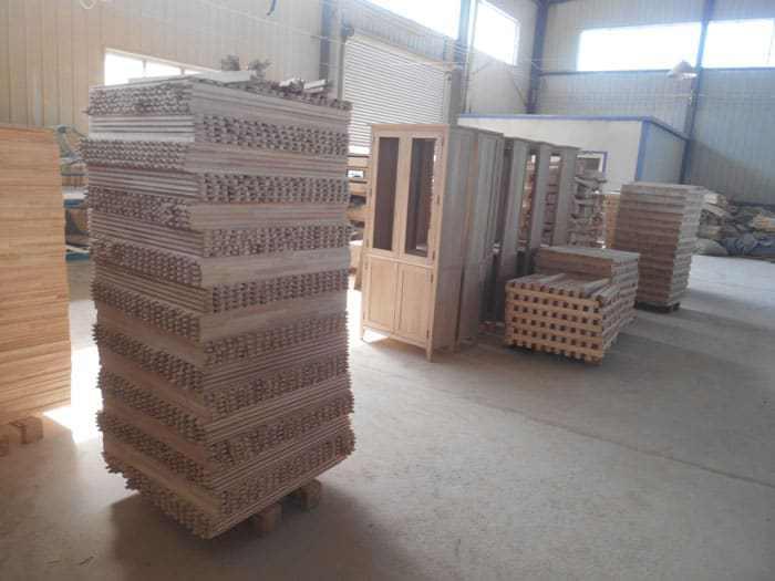 home-goods-solid-wood-storage-shelf-quality-control-service