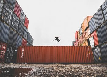 what should a purchase contract between an importer and a supplier specify cargo-commerce-container_from China