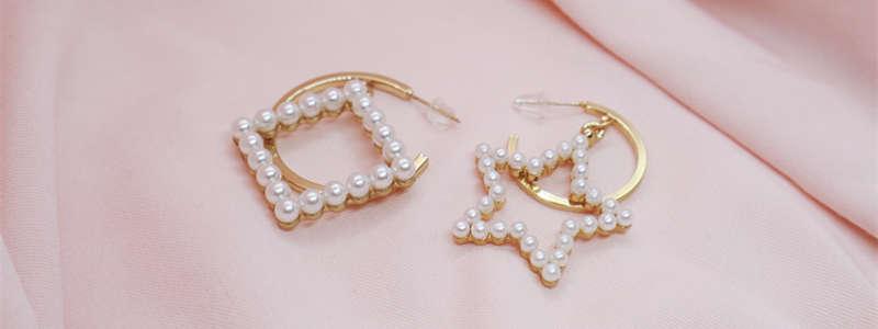 Earrings_Jewelry-unsplash-and-Imitation-Jewelry